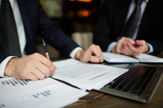 Read more about the article 5 Important Reason to Choose an Experienced Lawyer